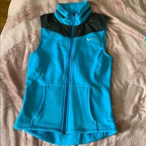 LIKE NEW Nike vest
